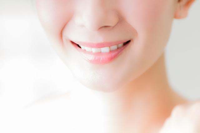 自然な笑顔を作るポイント